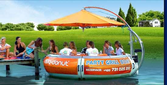Party + grilovačka = PARTY GRILL BOAT